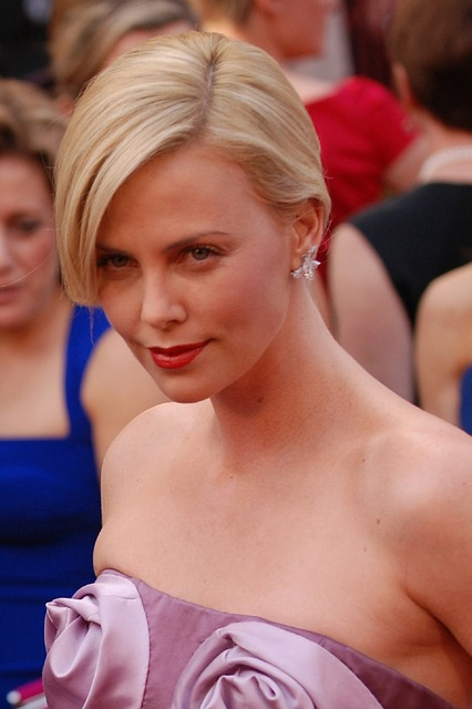 charlize-theron-669608_640
